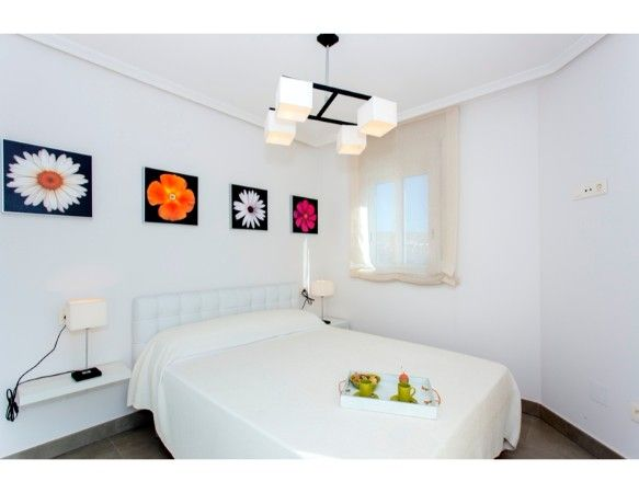 Apartments and penthouses of 2 and 3 bedrooms in urbanization with swimming pool, Santa Pola 5