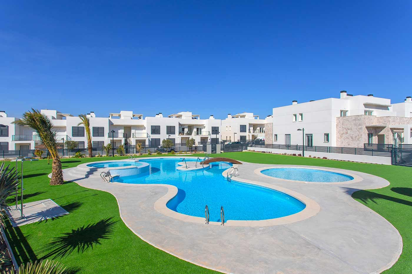 Townhouses and apartments in Torrevieja 2