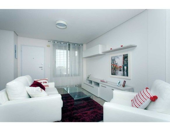 Townhouses with 3 bedrooms and 3 bathrooms, solarium, garden, in urbanization with pool and jacuzzi, Aguas Nuevas. 17