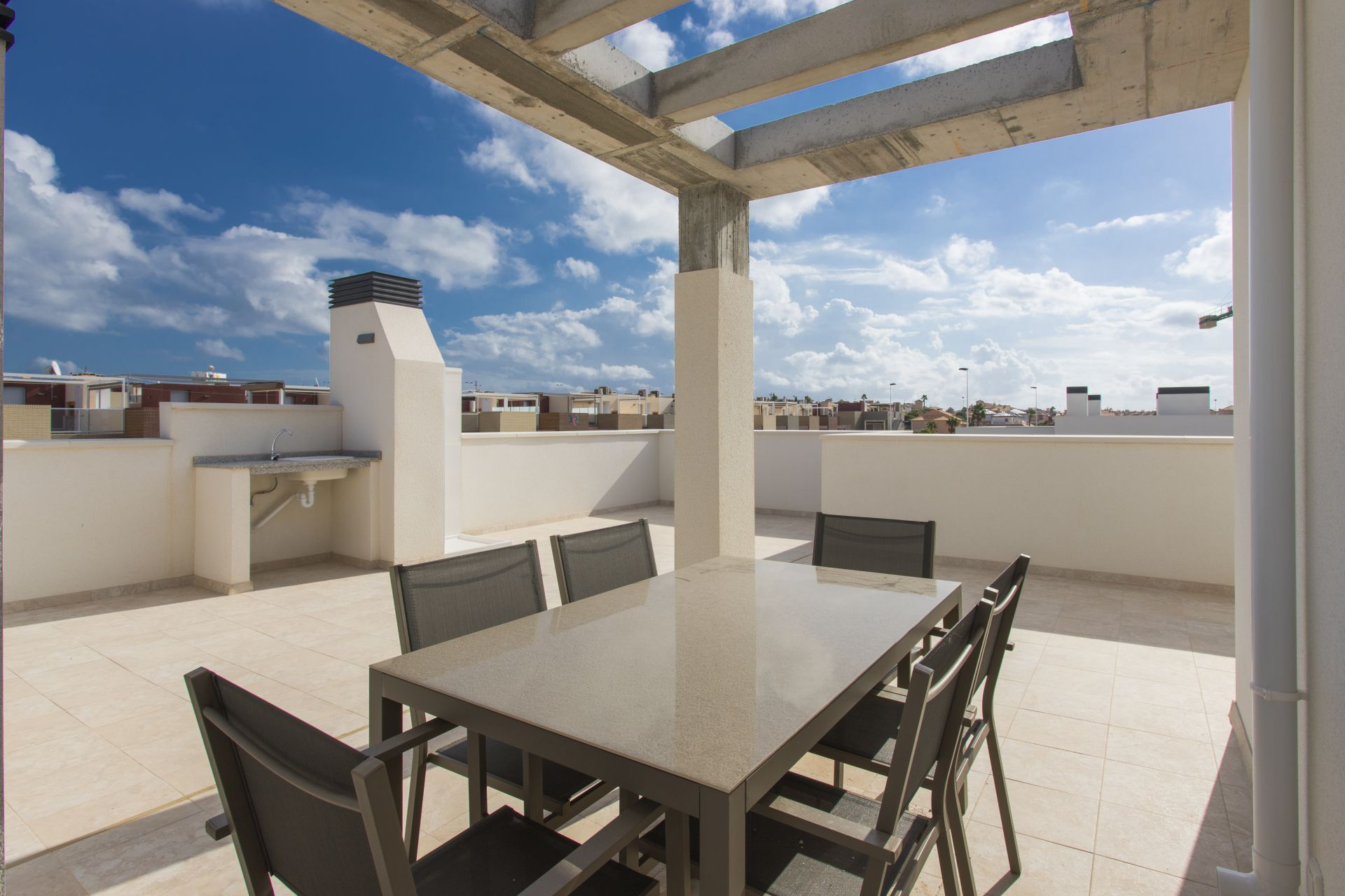 Townhouses with 3 bedrooms and 3 bathrooms, solarium, garden, in urbanization with pool and jacuzzi, Aguas Nuevas. 23
