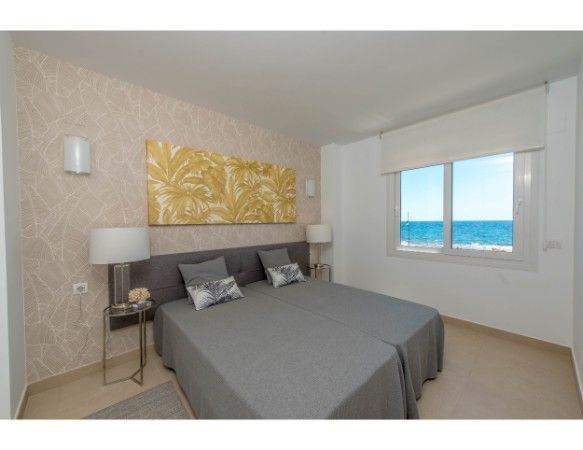 3 bedroom sea front apartments in Punta Prima 5