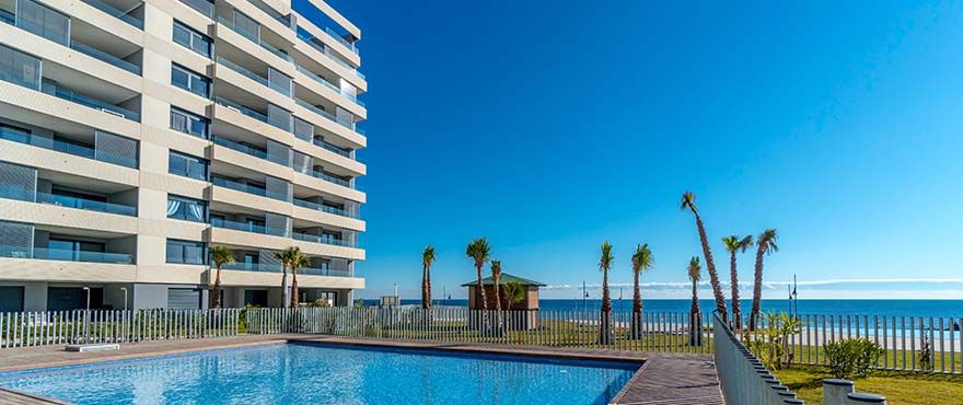 3 bedroom sea front apartments in Punta Prima 16