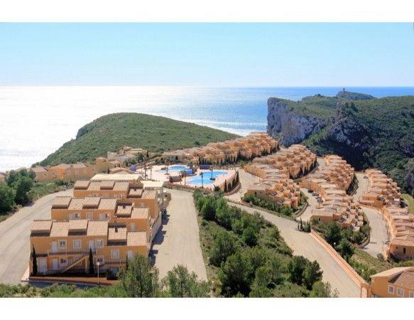 2 or 3 bedrooms apartments with terrace and garden in Benitachell 1