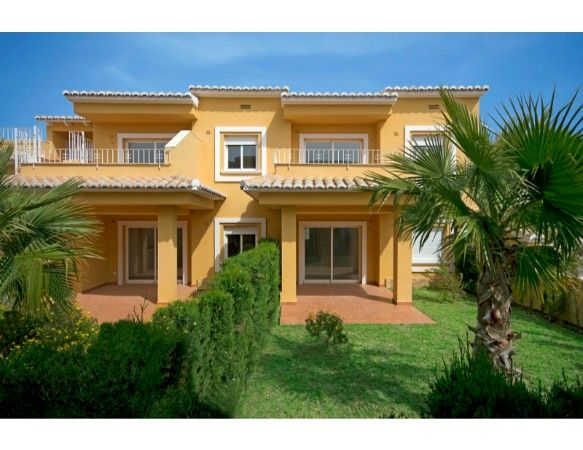 2 or 3 bedrooms apartments with terrace and garden in Benitachell 11