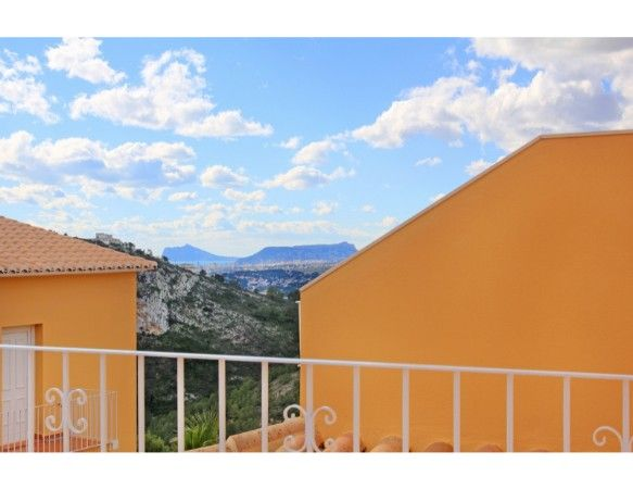 2 or 3 bedrooms apartments with terrace and garden in Benitachell 9