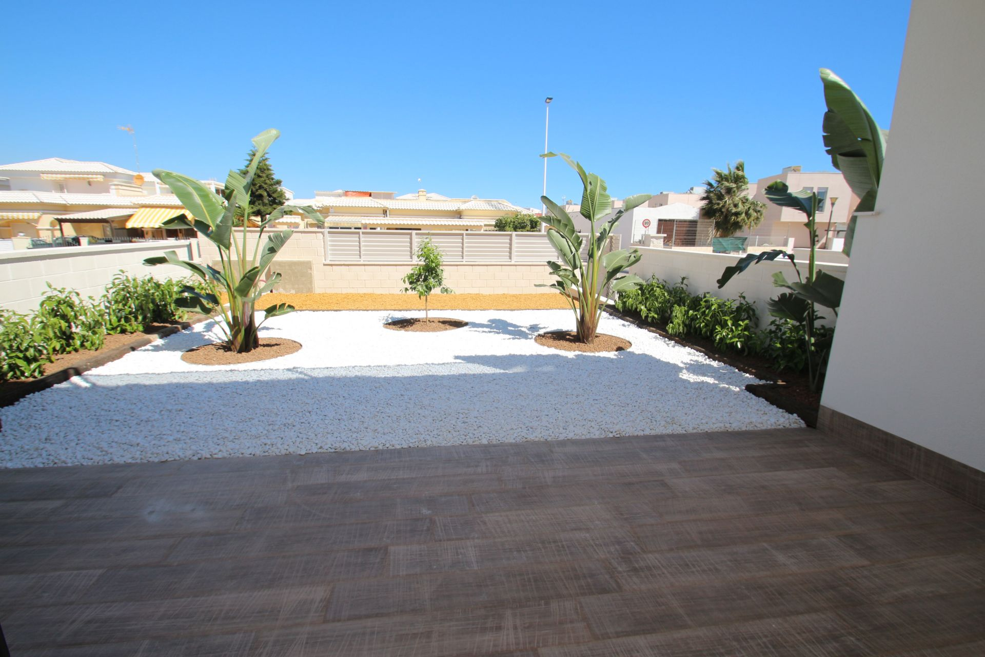 3 bedroom modern bungalows with garden or solarium in Torrevieja 19