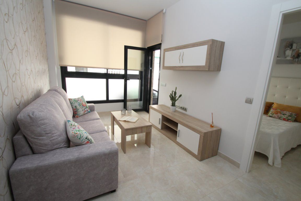 3 bedroom apartment in a gated complex with pool in Torrevieja 18