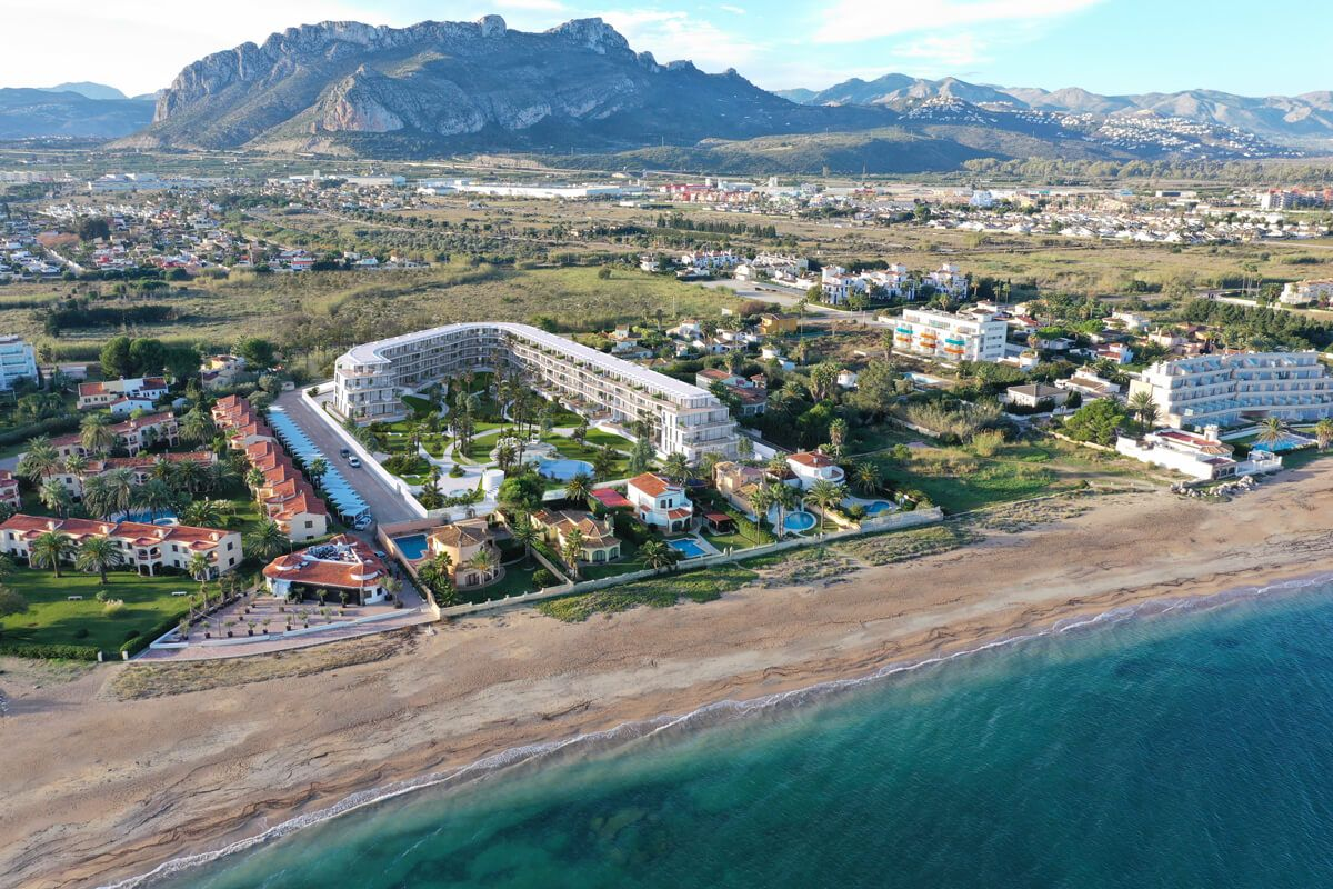Denia Beach - 1, 2 and 3 bedroom apartments with terrace overlooking the sea or with views over the Montgó mountain, at the beach of La Almadraba beach 19