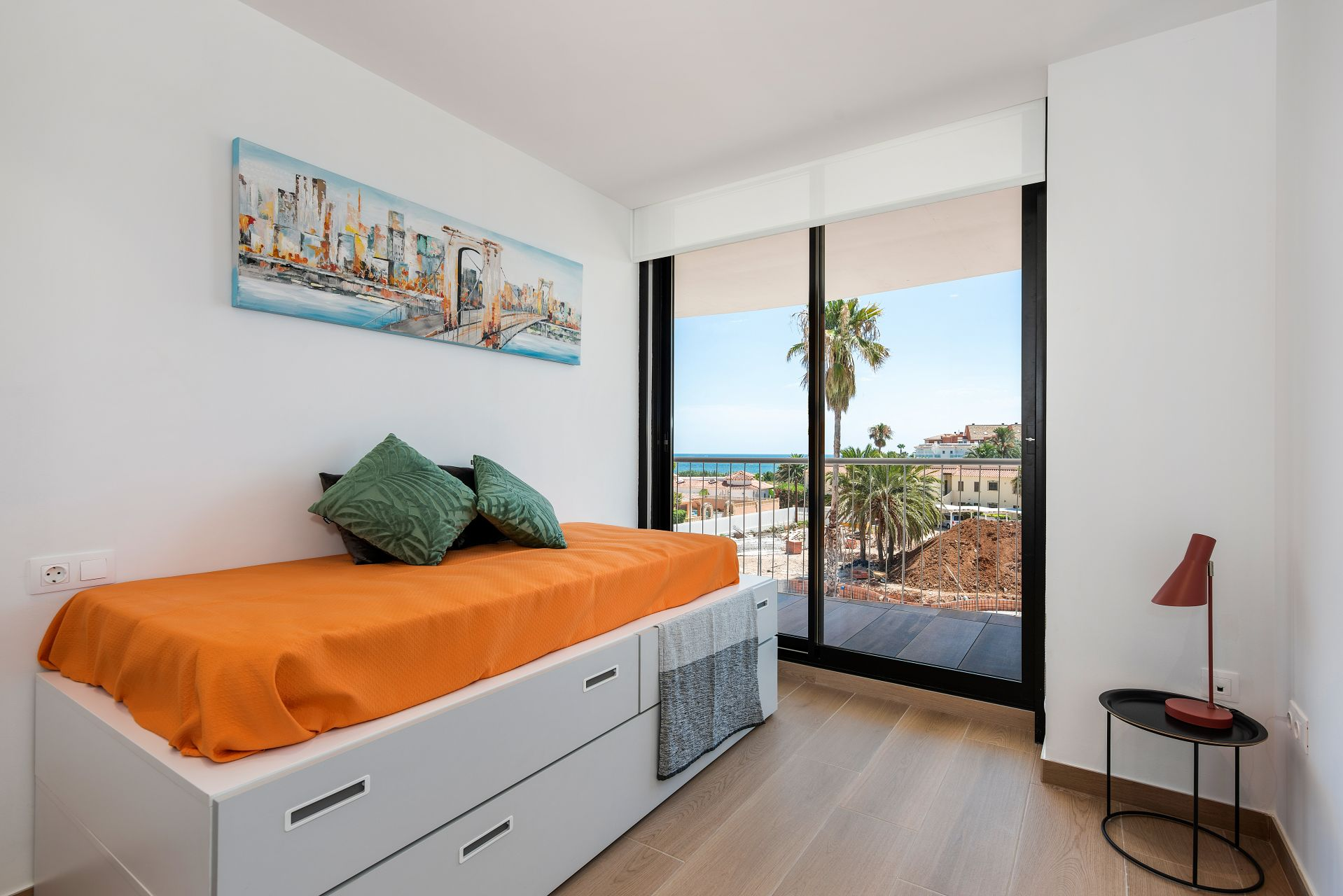 Denia Beach - 1, 2 and 3 bedroom apartments with terrace overlooking the sea or with views over the Montgó mountain, at the beach of La Almadraba beach 26