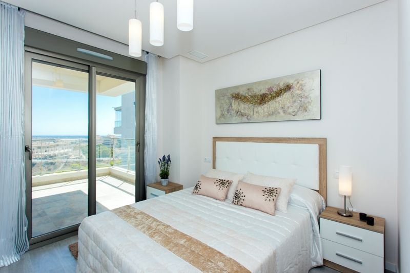 Penthouses with 2 bedrooms and 2 bathrooms in complex with pool, spa, gym, La Zenia. 9