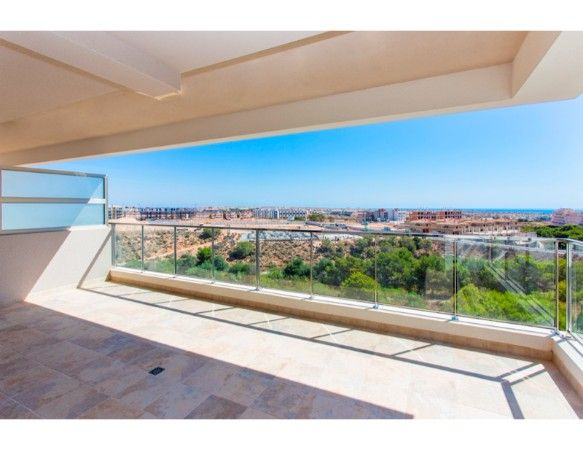 Penthouses with 2 bedrooms and 2 bathrooms in complex with pool, spa, gym, La Zenia. 43