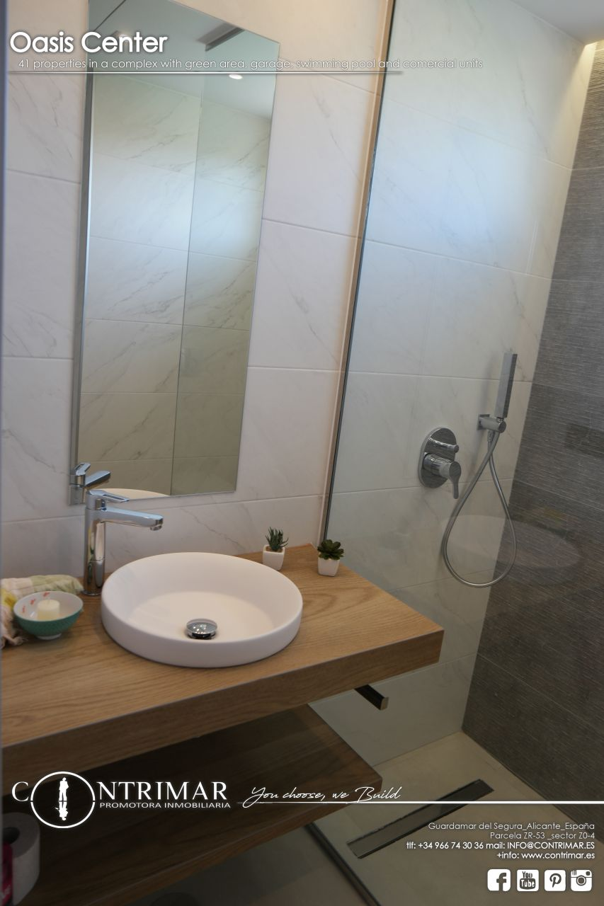 2 bedroom apartment in Guardamar del Segura in a complex with swimming pool and shopping center 8
