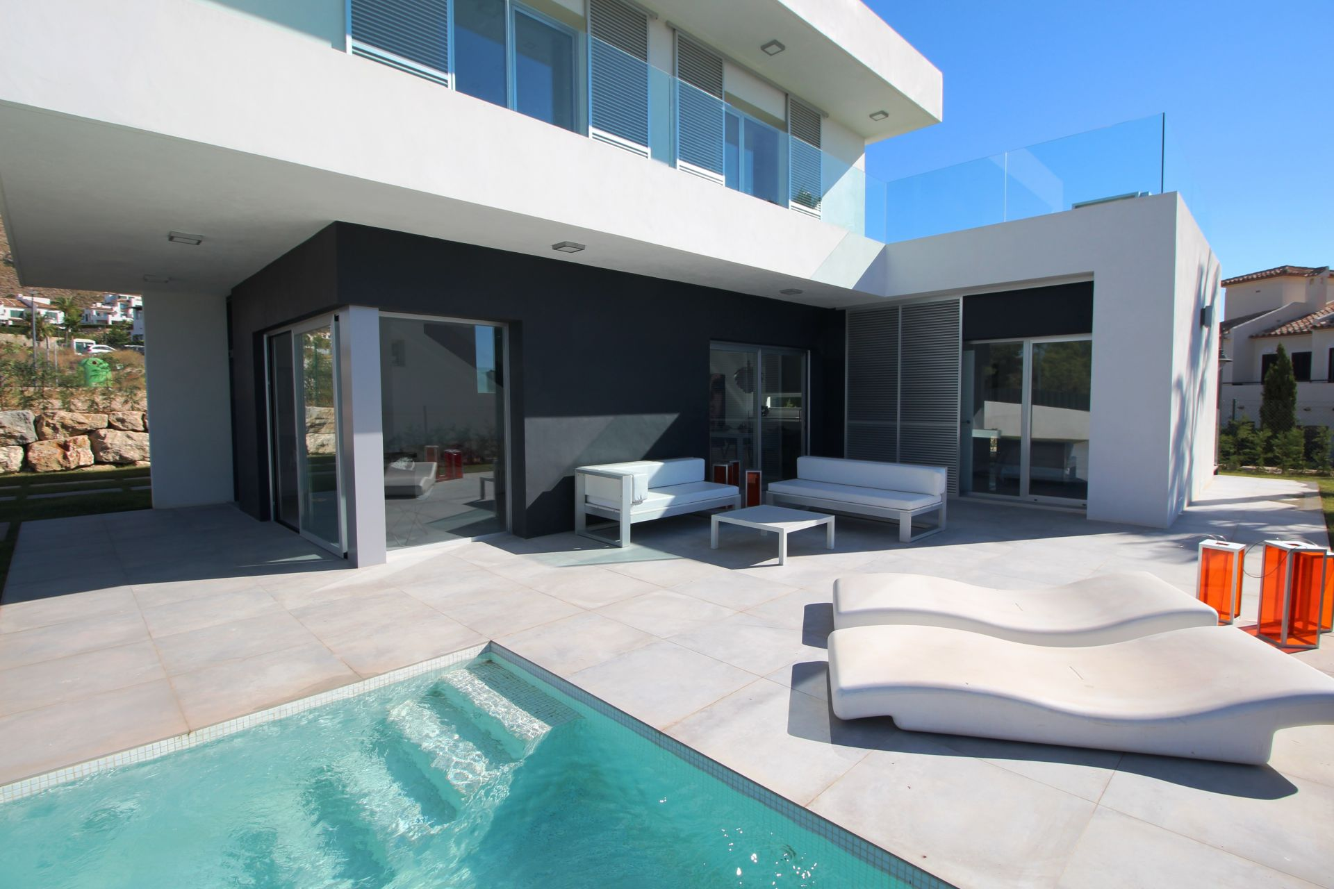 Exclusive villas with 3 bedrooms in Finestrat 2