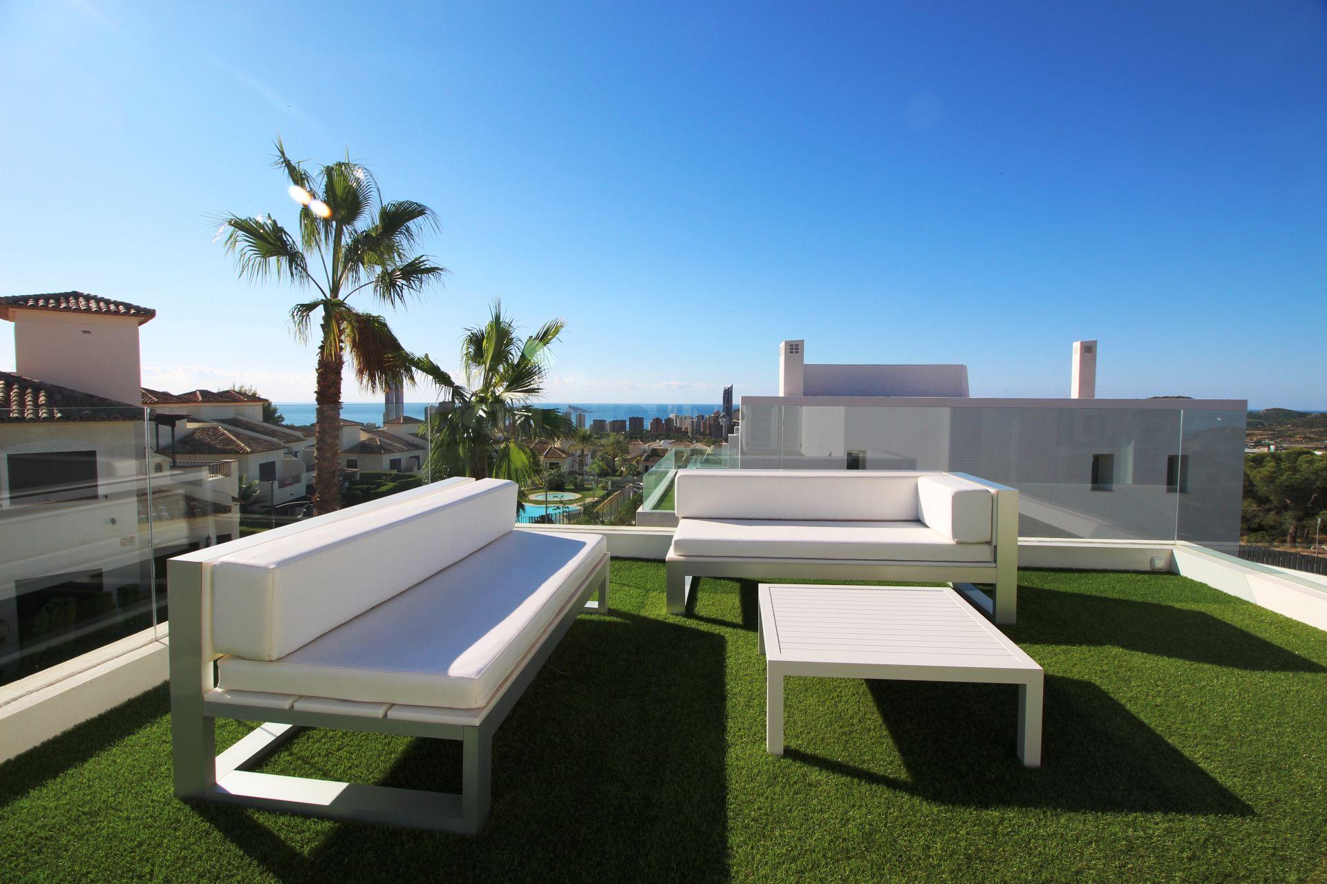Exclusive villas with 3 bedrooms in Finestrat 6