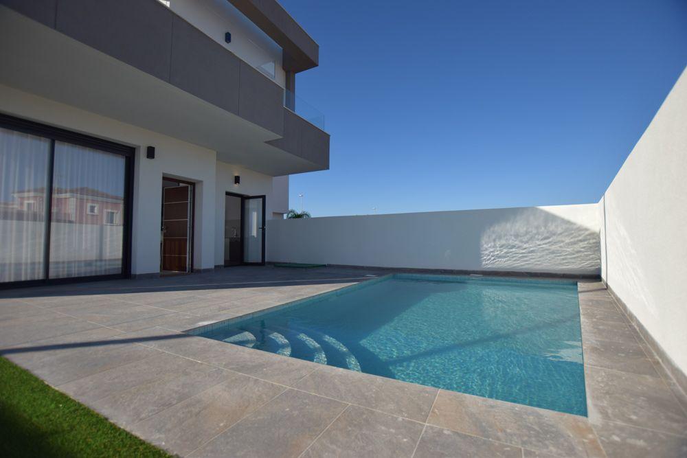 Villas in Los Montesinos 9