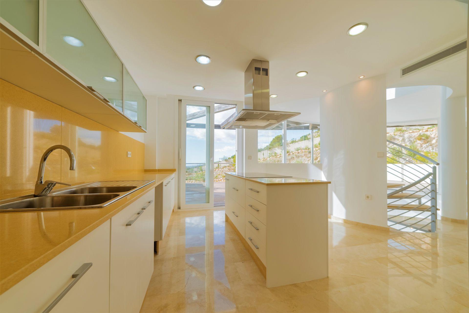 Villas with incredible views to the Mediterranean Sea in Altea 21