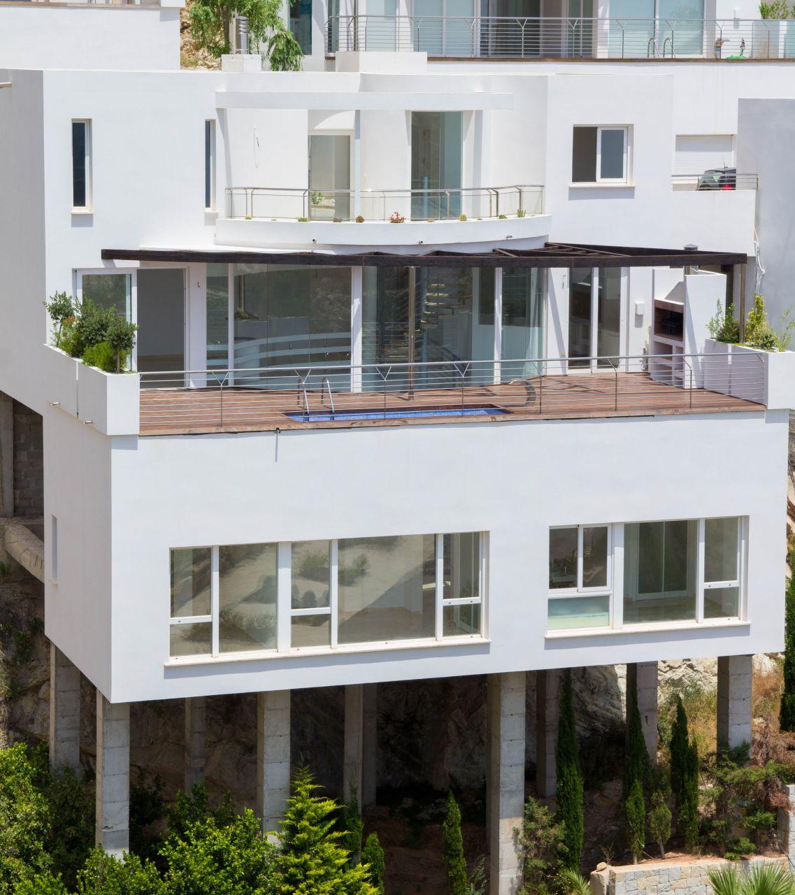 Villas with incredible views to the Mediterranean Sea in Altea 30
