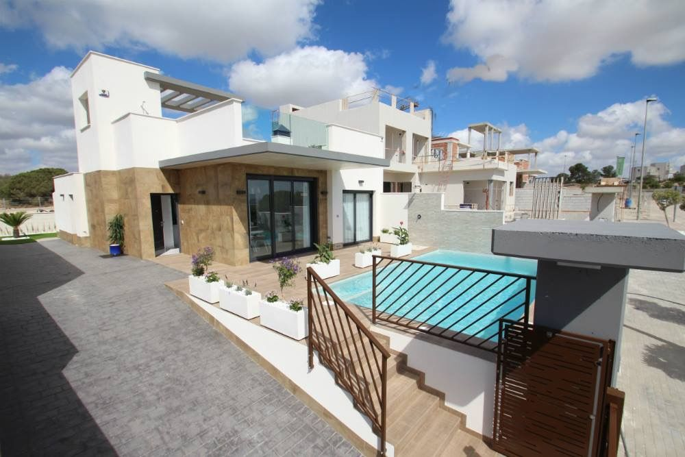 Villas in Orihuela Costa 27