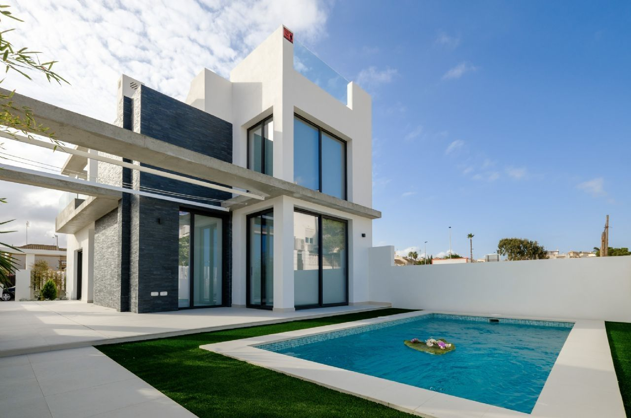 Villas in Torrevieja 4