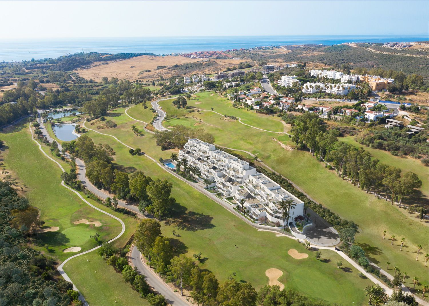Apartments with views over golf courses in Estepona 14