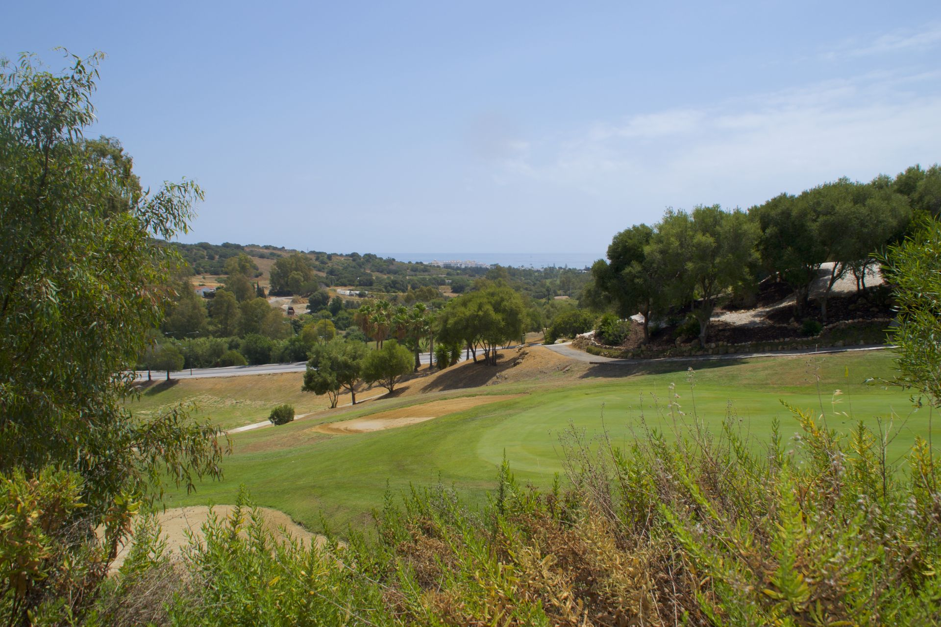 Apartments with views over golf courses in Estepona 18