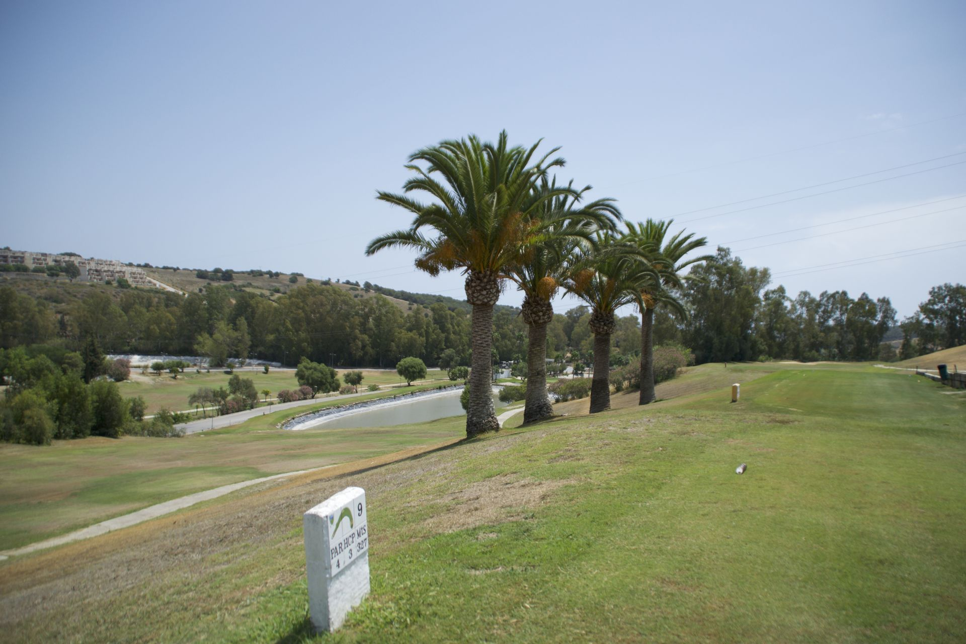Apartments with views over golf courses in Estepona 12