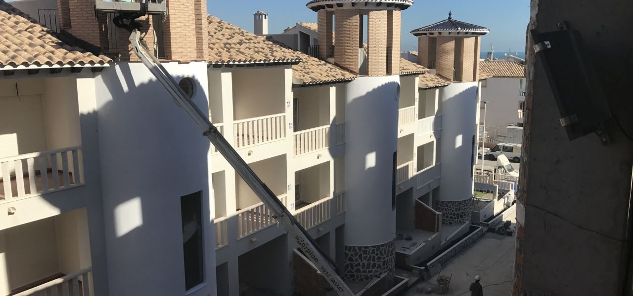 2 bedroom apartment in complex with pool, next to El Pinet beach in La Marina 2