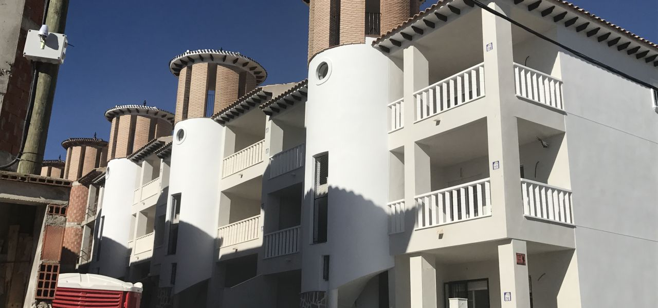 2 bedroom apartment in complex with pool, next to El Pinet beach in La Marina 3