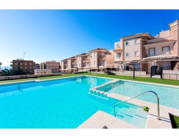 3 bedroom bungalows in urbanization with pool, Santa Pola 5