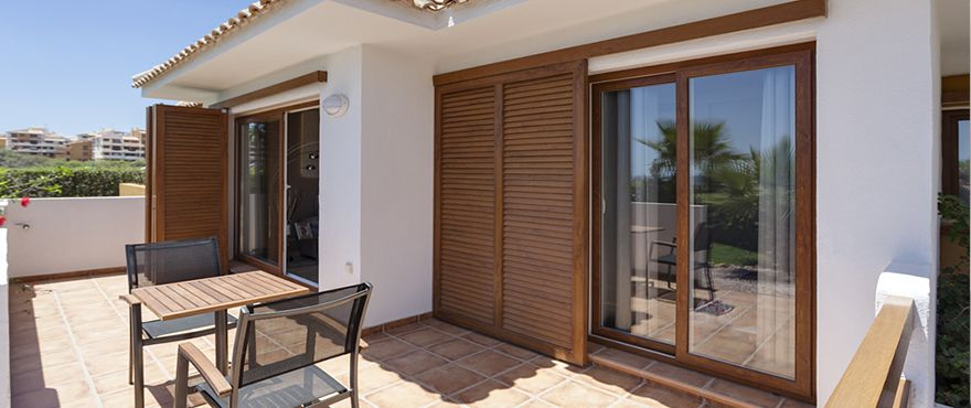 3 bedroom apartment with terrace and communal pool, Punta Prima. 2