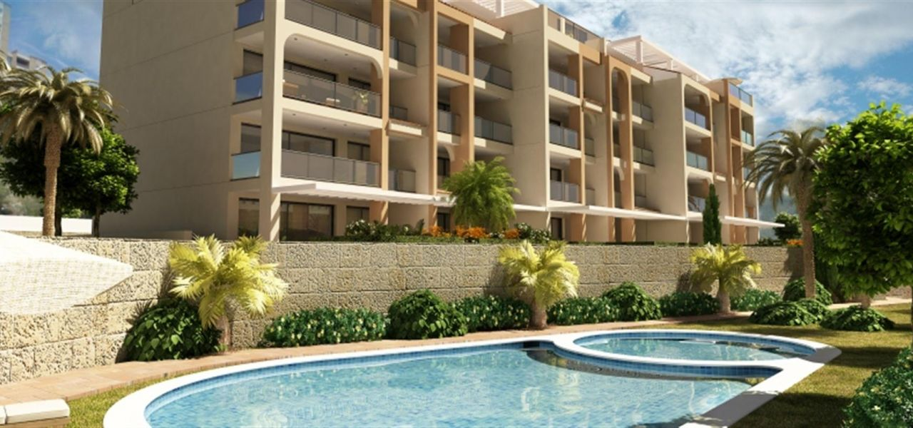 Apartments and townhouses with direct access to the beach in Villajoyosa. 2