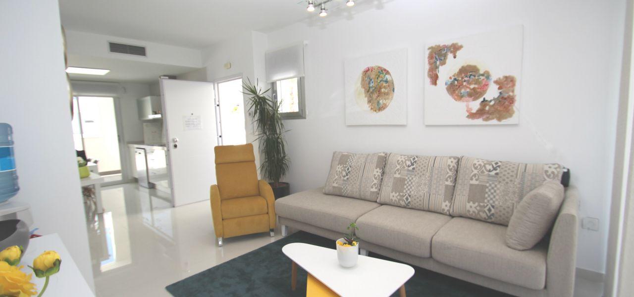 2 bedroom apartments 1
