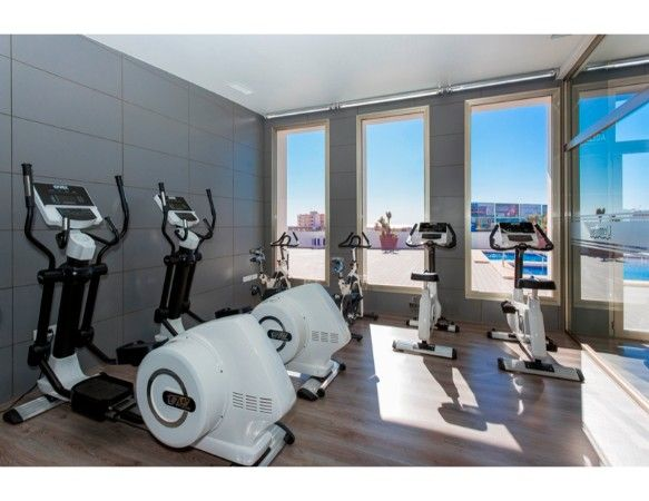Penthouses with 2 bedrooms and 2 bathrooms in complex with pool, spa, gym, La Zenia. 18