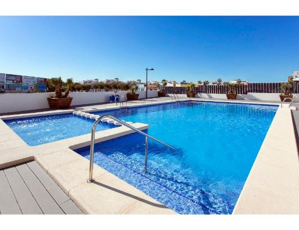 Penthouses with 2 bedrooms and 2 bathrooms in complex with pool, spa, gym, La Zenia. 20