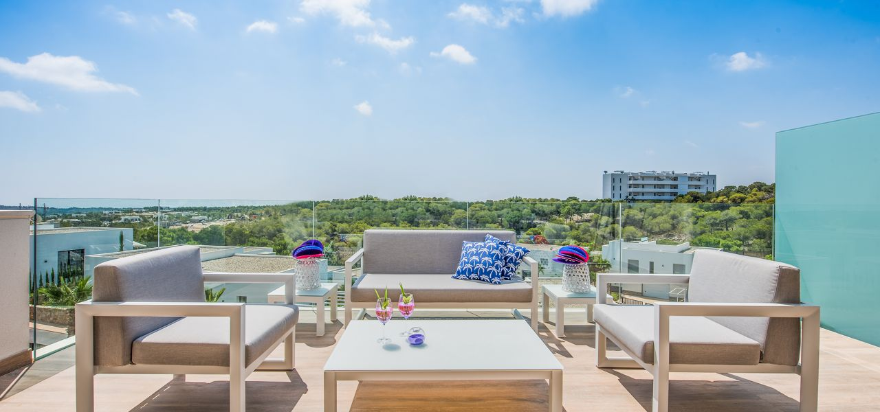 Bright 3 bedrooms duplex-penthouses in La Colina Golf & Country Club 9