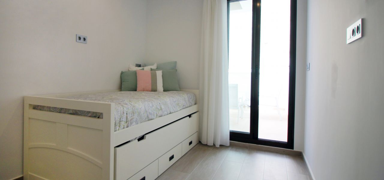 Superb 2 and 3 bedroom apartments with communal swimming pool in Torre de la Horadada 16